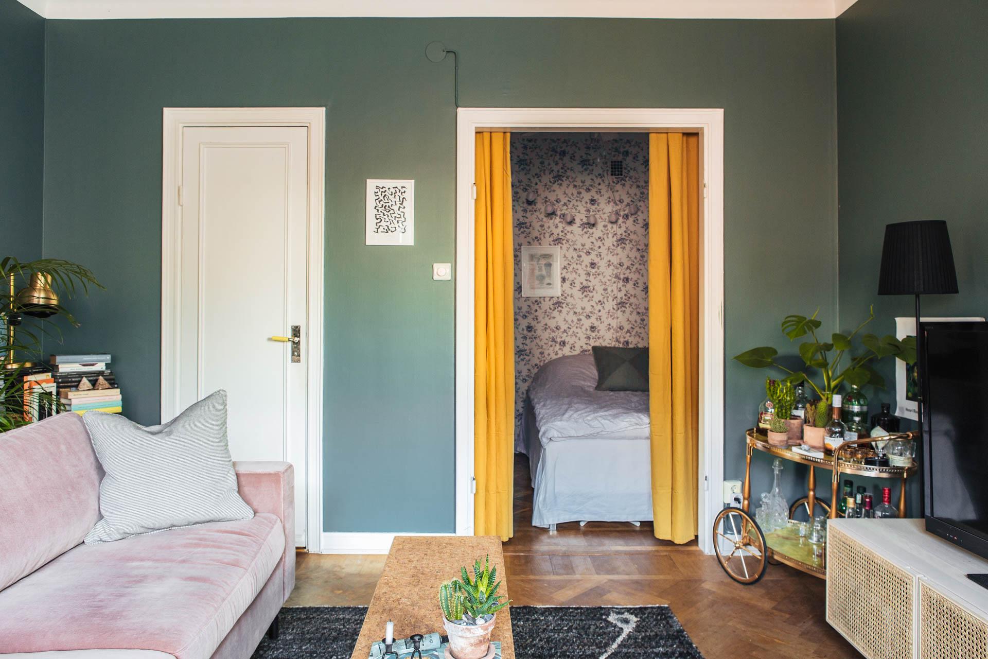 okergele gordijnen slaapkamer