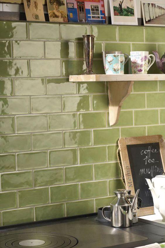 Olijfgroene tegels keuken