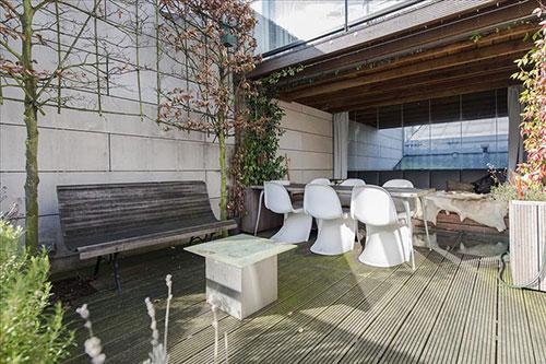 Onder architectuur verbouwde woning bij Entrepothaven in Amsterdam
