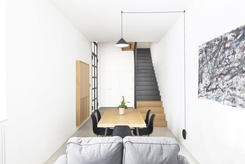 Keuken Onder Trap : Trap in kleine ruimte gallery of moderne rechte trap voor kleine