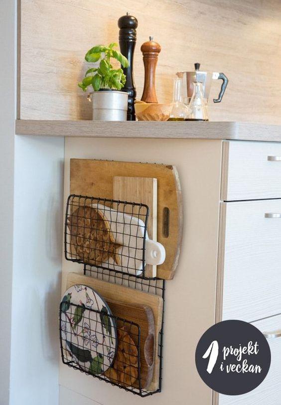 Opbergruimte zijkant van keukenkasten