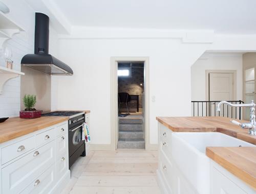 Open keuken in landelijke industriële stijl
