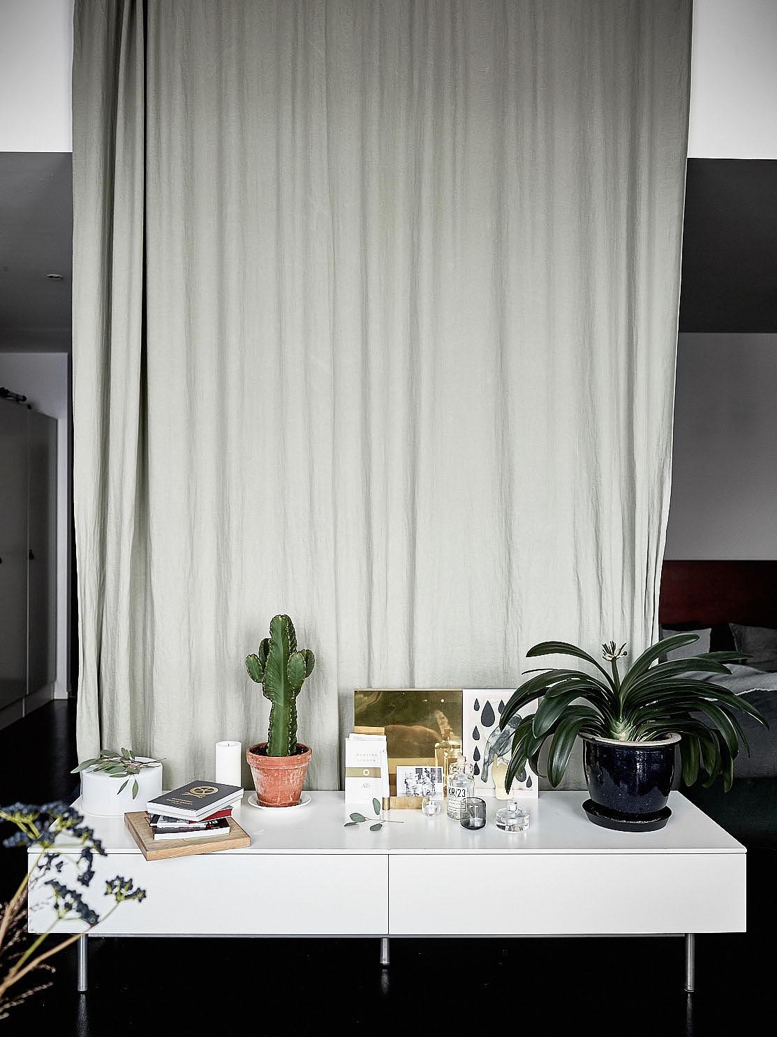 Open slaapkamer van mini loft appartement