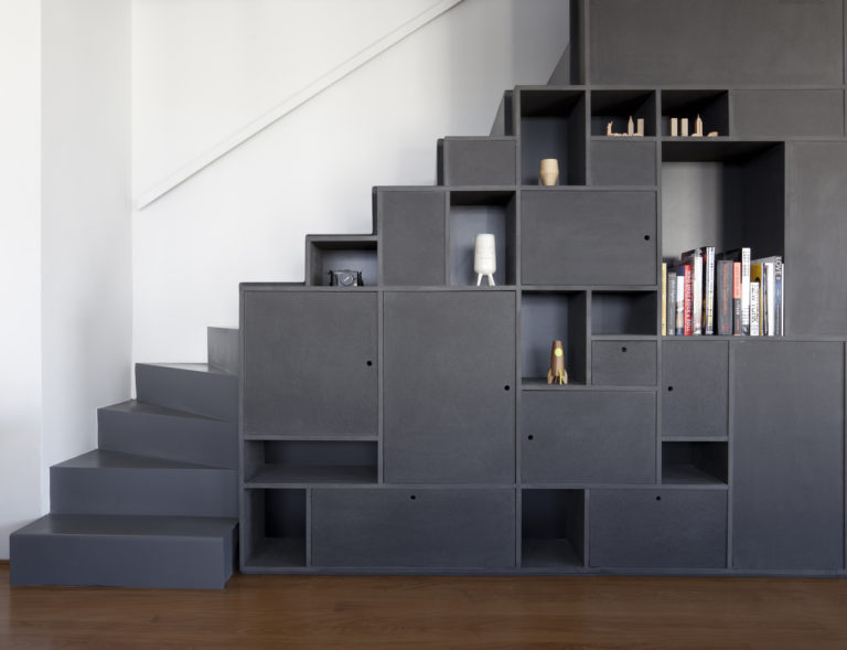 Kast In Trap : Open trap met trapkast in de woonkamer interieur inrichting