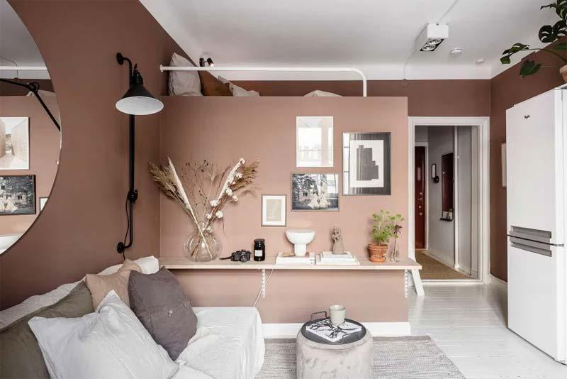oud roze muren witte strook