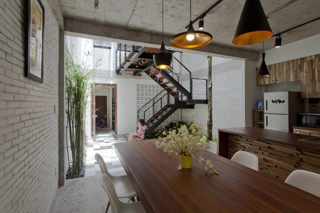 Overdekte binnentuin uit vietnam interieur inrichting - Buitentuin inrichting ...