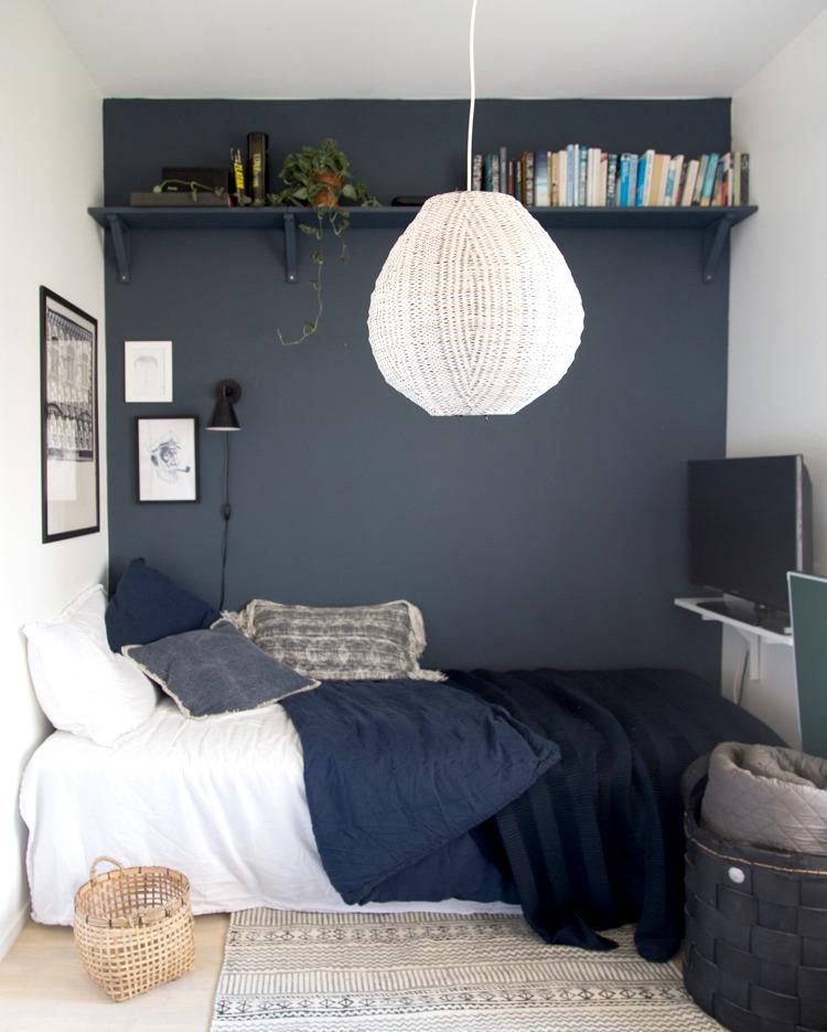 plank als tv meubel in slaapkamer