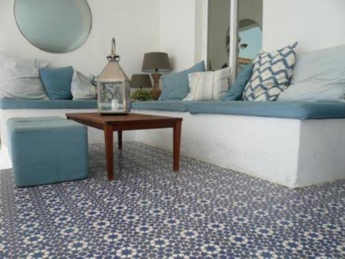 Portugese en Marokkaanse tegels in de tuin