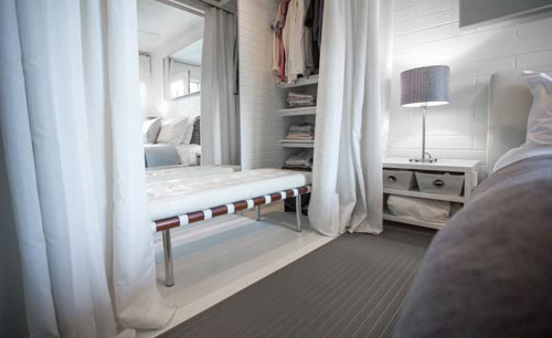 Kleine Slaapkamer Met Inloopkast : Praktische slaapkamer inrichting ...
