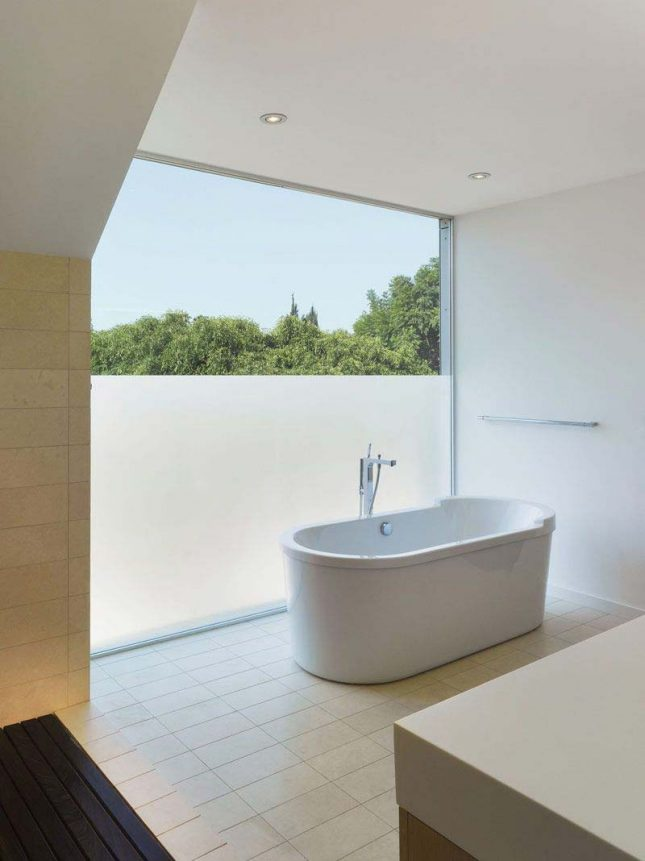 raamfolie moderne badkamer