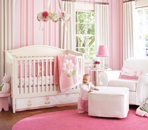 Roze babykamer