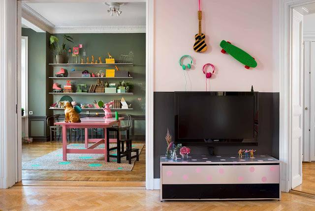 Roze Scandinavische woonkamer