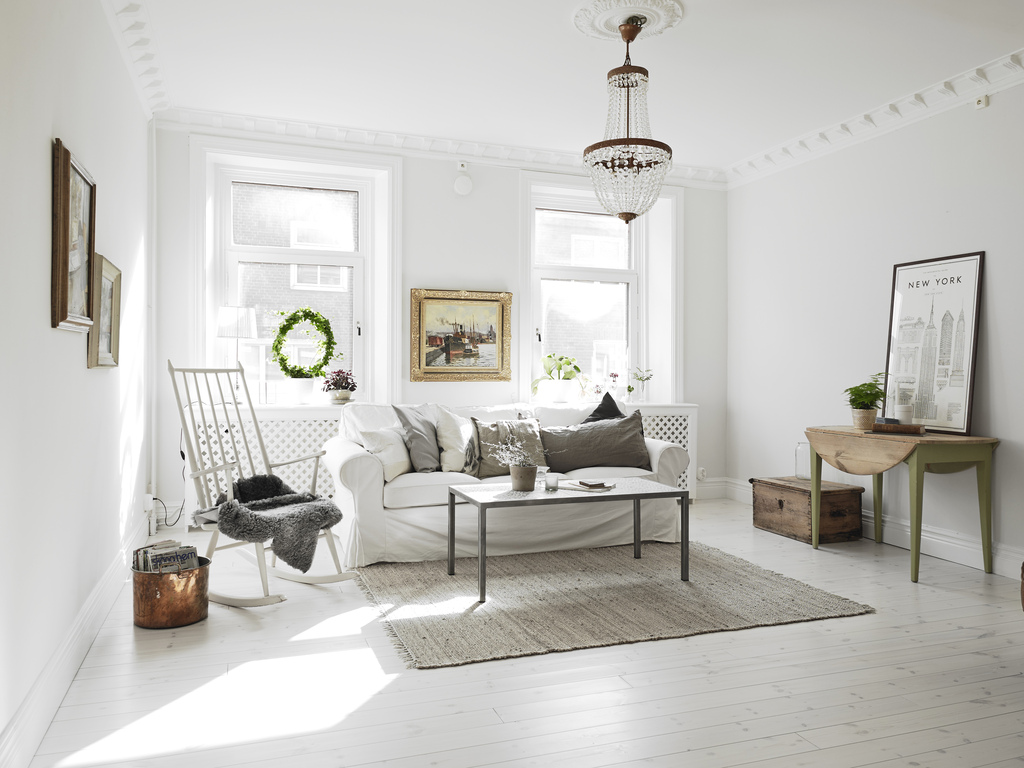 Ruime lichte woonkamer met half open keuken interieur Inrichting kleine woonkamer