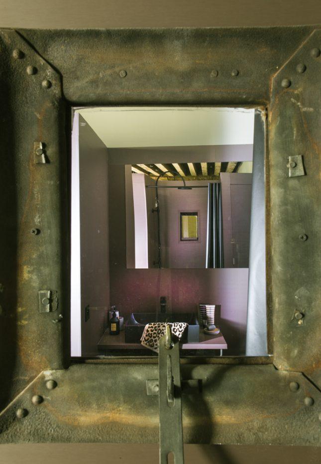 Rustiek klein eenkamerappartement uit Parijs