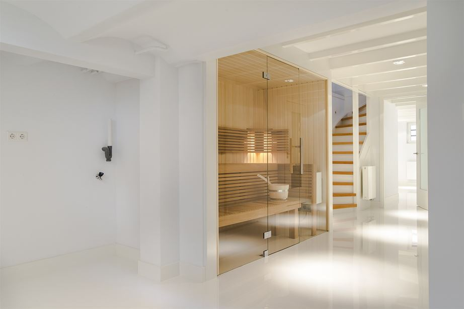 sauna in het souterrain interieur inrichting. Black Bedroom Furniture Sets. Home Design Ideas