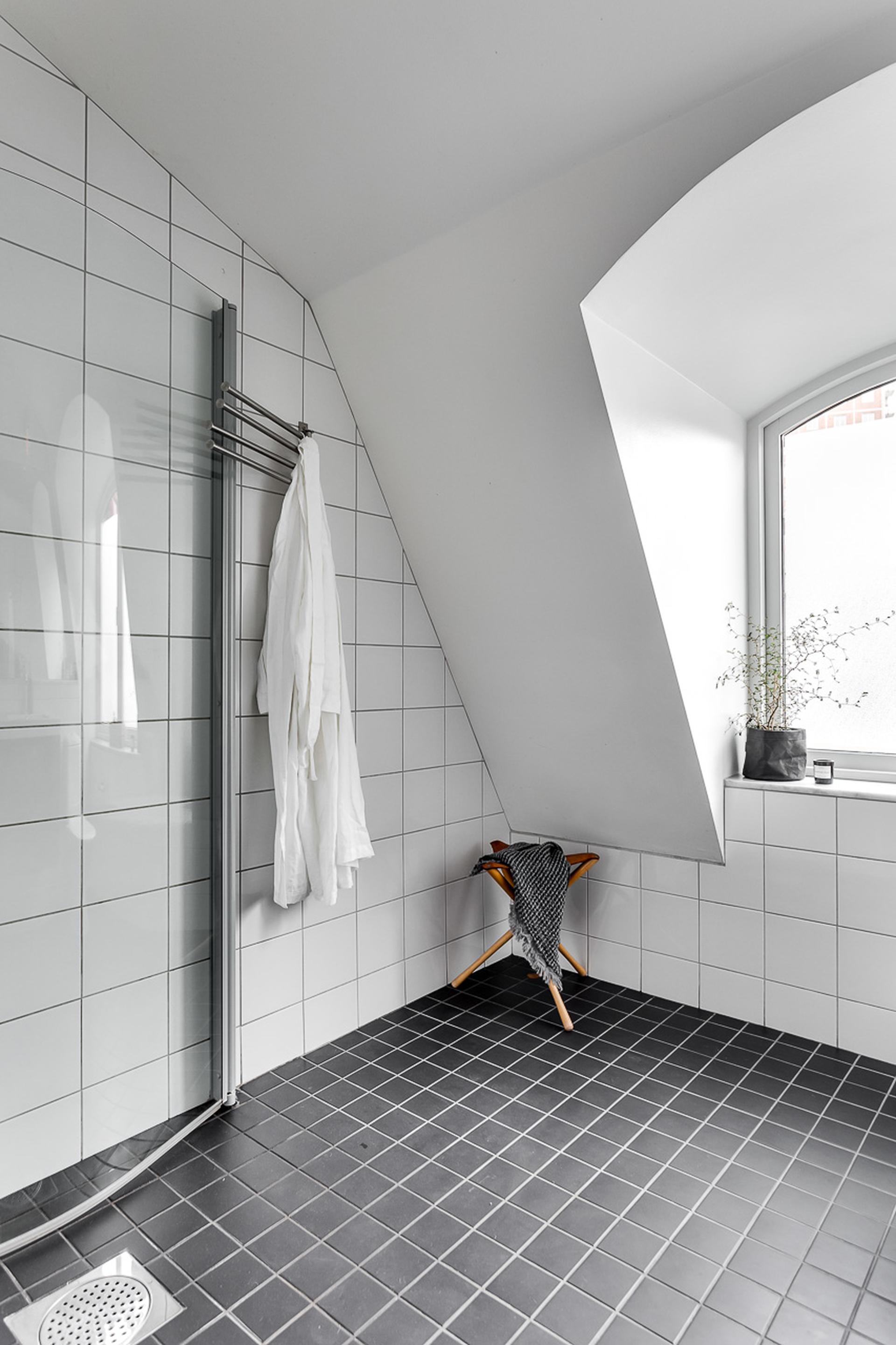 scandinavisch-duplex-appartement-met-een-industrieel-tintje-18