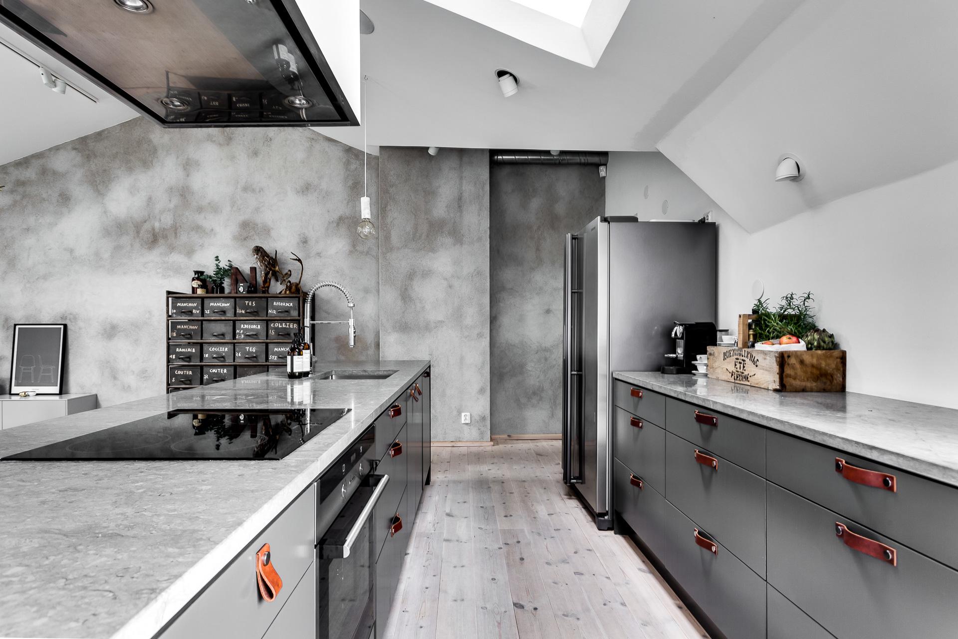 Industriele keuken met kookeiland u informatie over de keuken