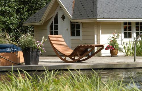 Hang Schommelstoel Tuin : Schommelstoel of schommelbank op balkon interieur inrichting