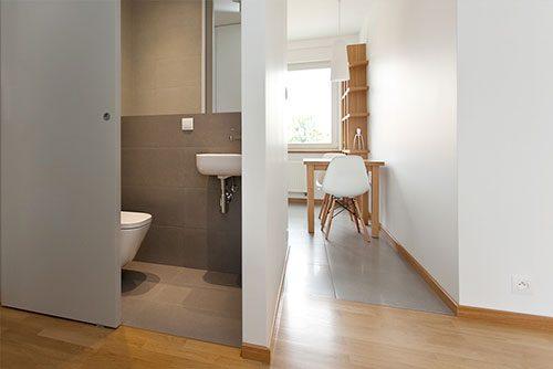 schuifdeur voor het toilet | interieur inrichting, Badkamer