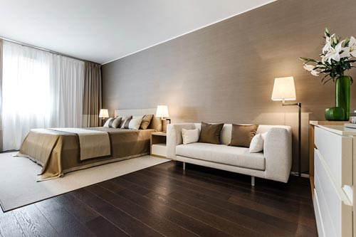 Neutraal interieur in woning in monaco interieur inrichting - Parquet flottant chambre adulte ...