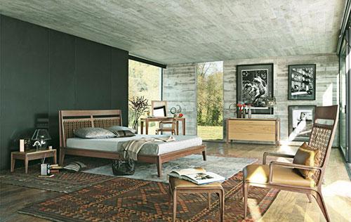 Slaapkamer inrichten met een vloerkleed interieur inrichting - Decorating with grey and brown ...