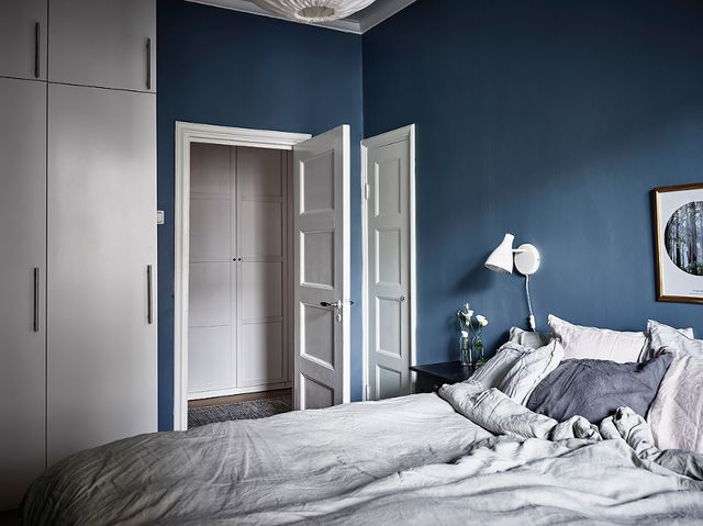 Slaapkamer met mooie blauwe muren | Interieur inrichting