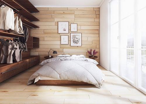 Houten Achterwand Slaapkamer : slaapkamer met zowel een houten vloer ...