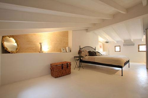 http://www.interieur-inrichting.net/afbeeldingen/slaapkamer-ontwerpen-zolder.jpg
