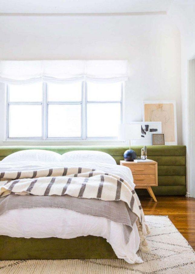slaapkamer styling olijfgroen fluwelen hoofdbord