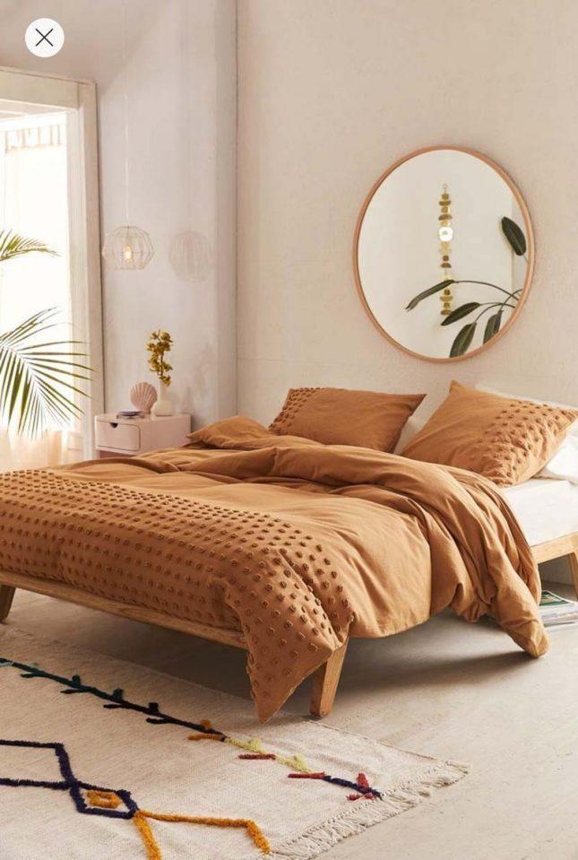 slaapkamer styling ronde spiegel