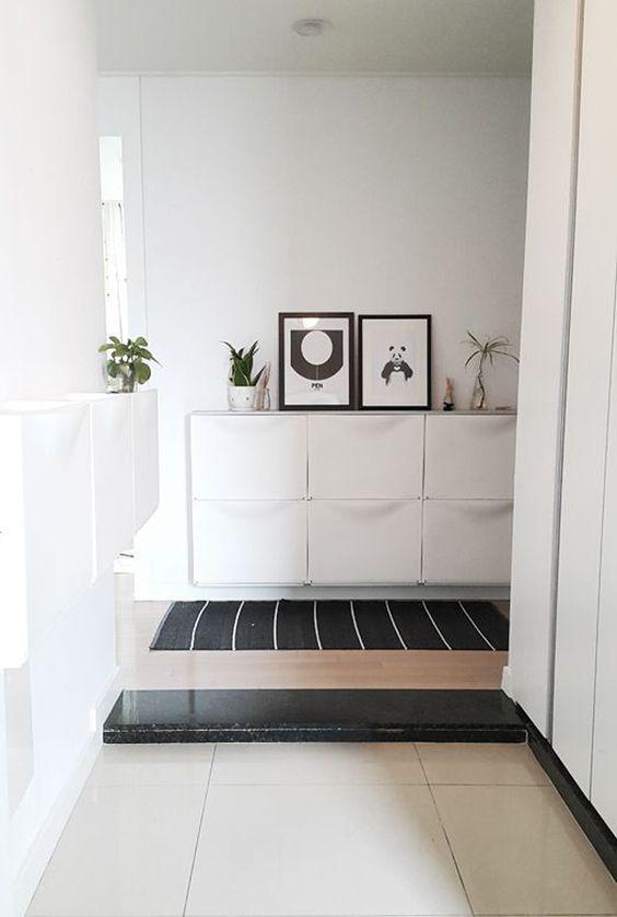 Smalle IKEA TRONES schoenenkast