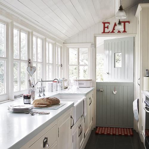 Kleine Smalle Keuken Inrichten : Smalle Landelijke keuken Interieur inrichting