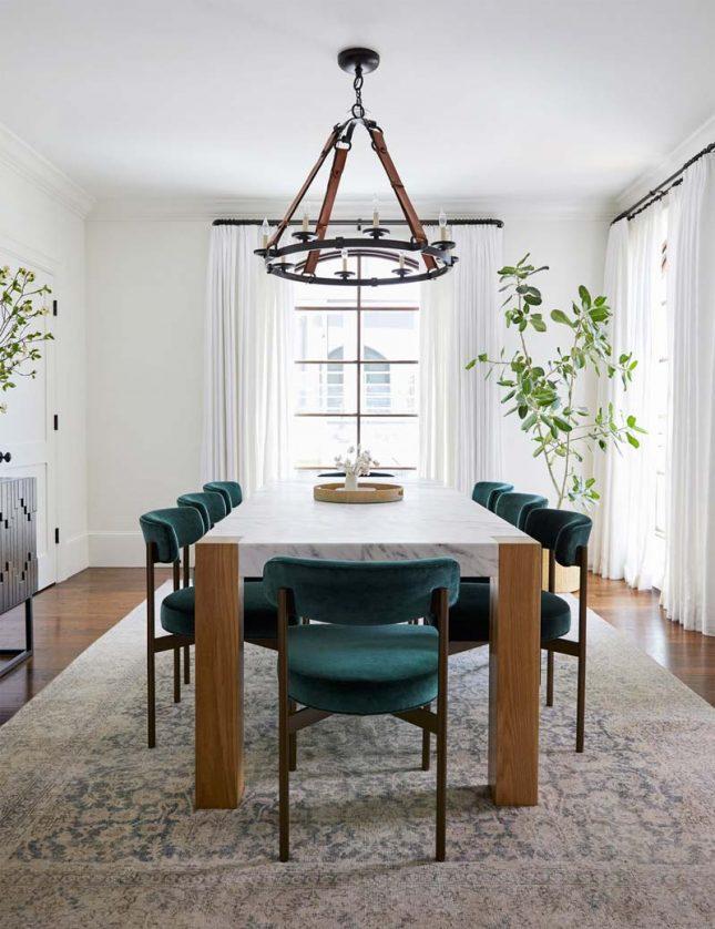 smaragdgroene eetkamerstoelen eettafel