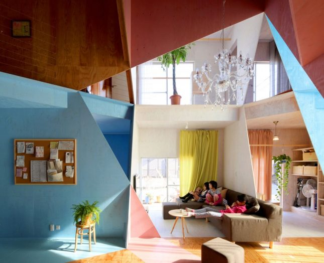 Speelse Interieur Inrichting : Speels en kleurrijk interieur in japanse woning interieur inrichting