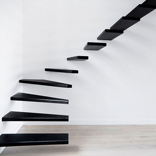 Stalen zwevende trap