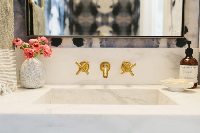 Stijlvol klassiek toilet interieur inrichting - Stijlvol behang ontwerpen ...