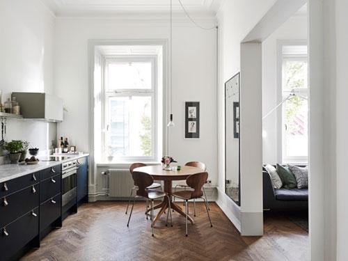 Stijlvol verbouwd klein appartement interieur inrichting - Een klein appartement ontwikkelen ...