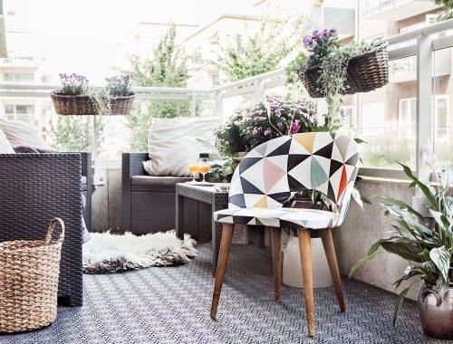 Stijlvolle woonkamer sfeer op het balkon