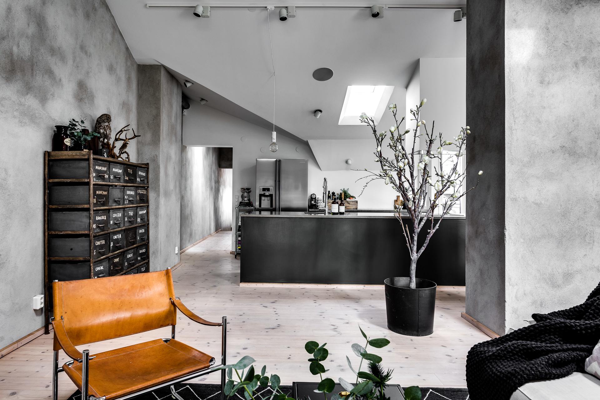 Keuken Zweeds Design : Stoere moderne keuken met breed kookeiland interieur inrichting
