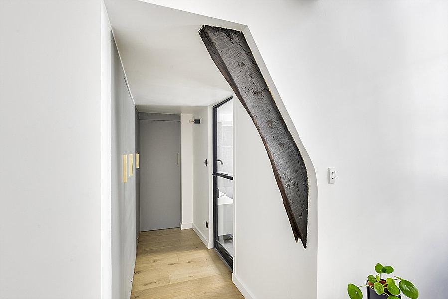 Handige Indeling Badkamer : Stoere praktische badkamer in een klein appartement van m