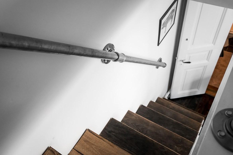 Stoere trap met trapkast én washok!