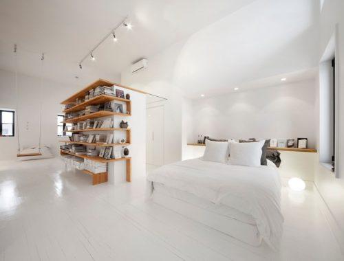 Stoere woning met wit en hout
