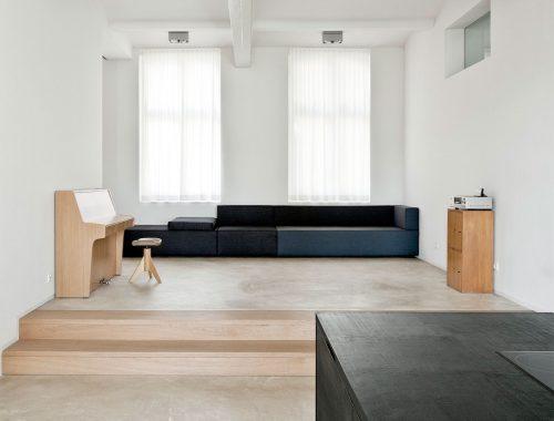 Strakke minimalistische woonkamer
