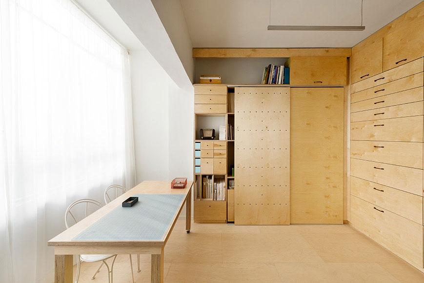 Studio werkruimte van 18m2 met opbergruimte voor kunstverzameling