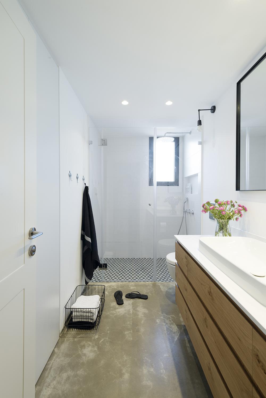 Toilet en badkamer in dezelfde stijl