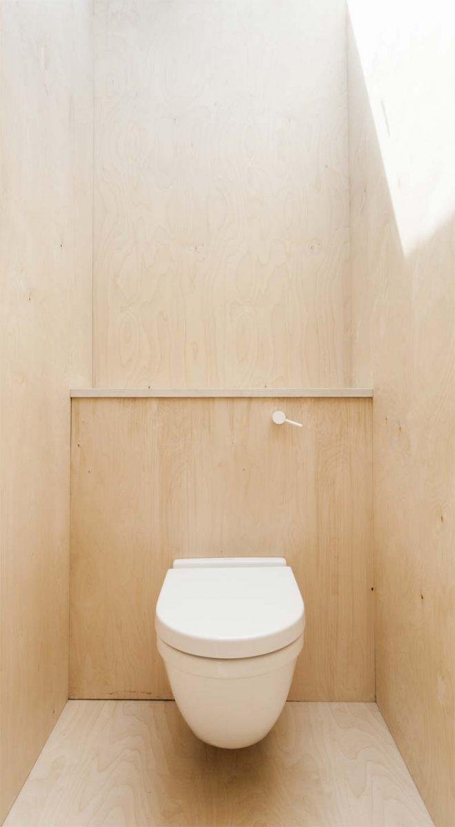 toilet inspiratie multiplex vloeren wanden
