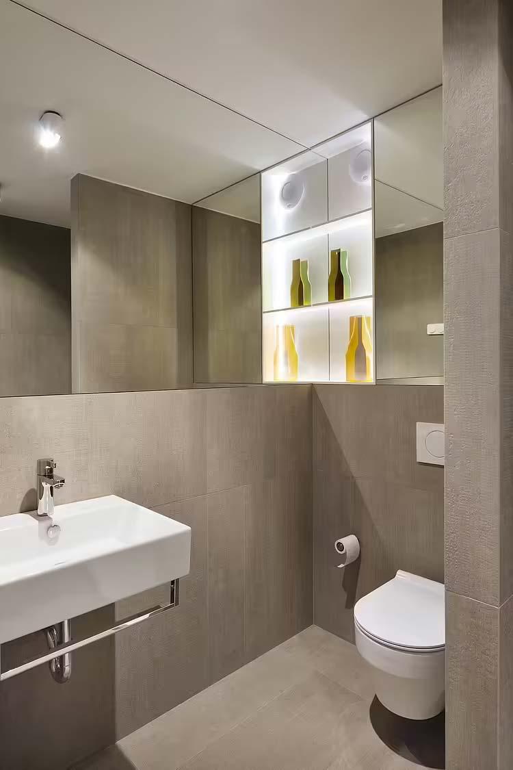 toilet inspiratie spiegelwand