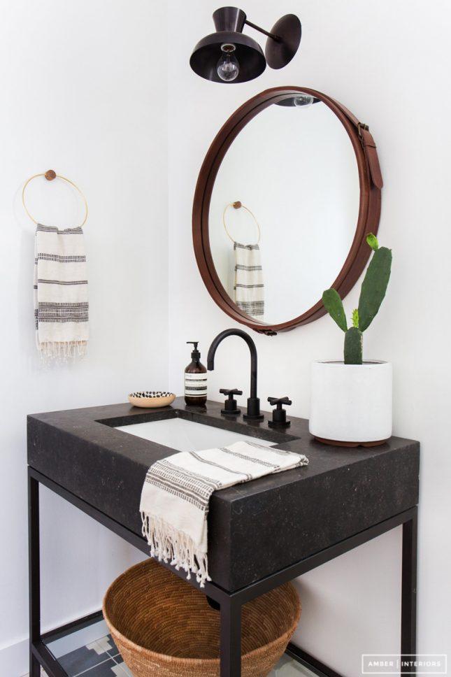 Toilet metamorfose door Amber Lewis