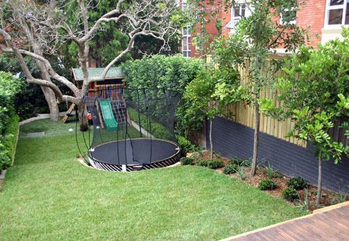 Trampoline kindvriendelijke tuin
