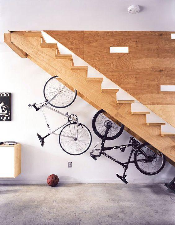 trap ideeën fiets aan trap hangen